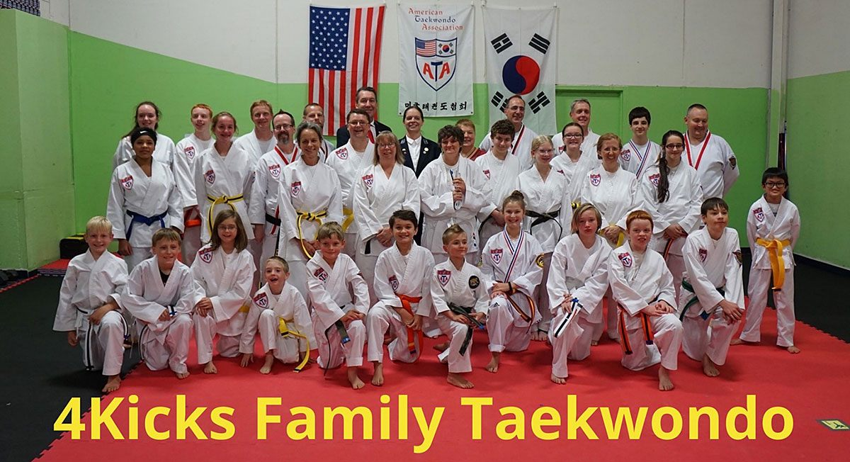 4Kicks Family Taekwondo group shot